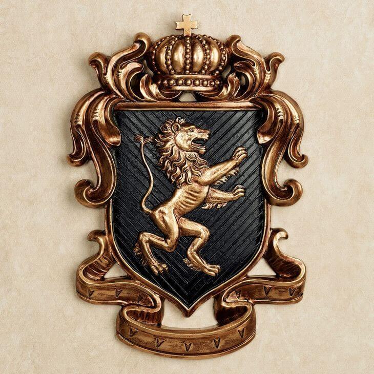 лев на эмблемах